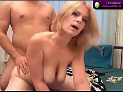 Cummysquirty  couple fucks in front of webcam on cam