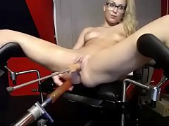 www.girls4cock.com/Siswet19 — Young blonde small holes and big machines