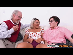 Exotic stepsis Rharri Rhound dicked in old vs young foursome