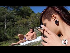 El sueño de Aris Dark - Spanish girl having sex in the river - Leche 69
