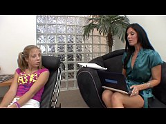 Young floozie Chastity Lynn is going way down South in Dixie with ravenheaded housewife India Summer