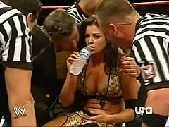 086-2 Wwe Raw 22-10-07 Beth Phoenix Vs Candice Michelle - 2 Out Of 3 Falls - Women's Championship