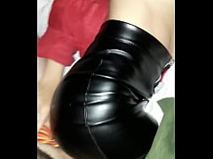 Leather mini skirt cogiendo esposa fuck wife