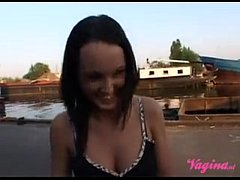 Marine jongen neukt heerlijke brunette\/Dutch Navy fucks brunette hottie