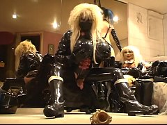 HD Roxina2010MaskAndCumEatingDoll240510XL.WMV