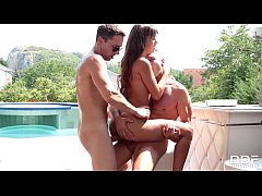 Sunbathing Beauty gets a Poolside Double Penetration