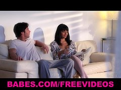 Brunette bombshell Shazia Sahari gives her man an amazing blowjob