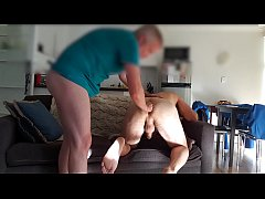 Clip sex Top stretches bottom's hole between fucks