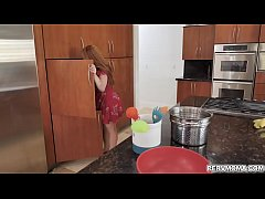 Supportive MILF Summer Hart gave stepson a blowjob