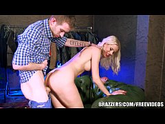 Brazzers - Lynna Nilsson cant resist the big dick