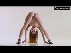 Sexy girl shows her amazing gymnastic talents