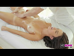 Dillions tasty pussy gets fucked