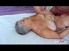 Hardcore video with horny mature and handy man