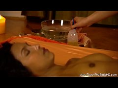 Using Hot Oils To Relax Her