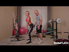 Gym fuck threesome makes DP'ed workout babe Victoria Pure's asshole gape