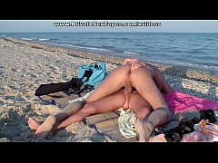 Clip sex Horny couple of lovers in the real amateur sex on the beach