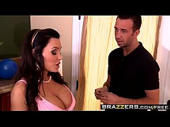 (Lisa Ann, Keiran Lee) - Moms Guide To Throwing A Party - Brazzers