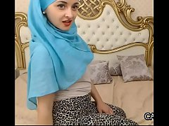 Fleshy Arab Minx With A Hijab
