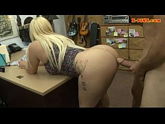 big butt blonde woman sucks off and nailed by pawn guy