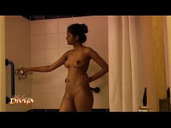 Indian College Girls Divya Exotic Shower Video