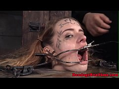 femdom climaxes all over submissives face