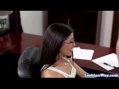 Jelena Jensen makes Veronica Rodriguez squirt
