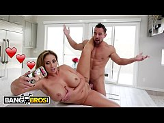 BANGBROS - Busty Eva Notty Gets Her Step Brother To Help Her Take Pics For Social Media