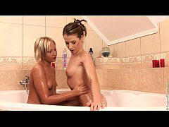 Bubble Dildoers Chyanne and Butterfly lesbian sex and anal fingering in the bath
