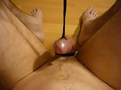 Clip sex Pulling the strings to let this cock cum