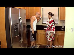 [Taboo Passions] Son get's nasty with mom Madisin Lee in Gotta Workout