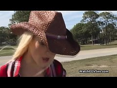 Sexy stranded cowgirl blows in car