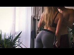 Amateur hot blonde in yoga pants get fucked