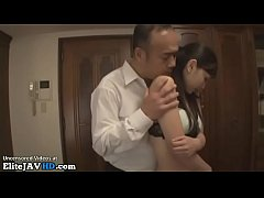 Clip sex Japanese Milf fucked by husbands friend