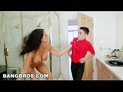 HD BANGBROS - Sneaking On My Stepmom Reagan Foxx (bbc15996)