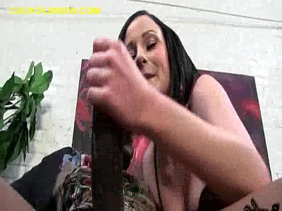 Black Blowjob Brunette video: Brunette Dominating a White Cuckoldld