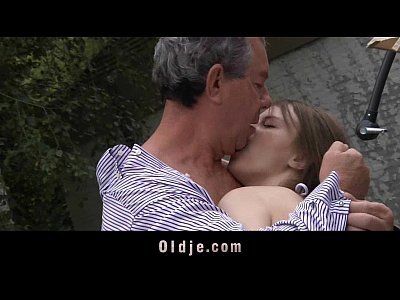 Old Teen porno: Sexy cute teeny fucks oldman in the garden