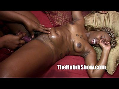 Black Teen Latina video: ghetto lesbian lovers ghetto lesbian lovers