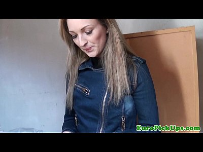 Blonde Blowjob Closeup video: Pulled amateur talked into a little head