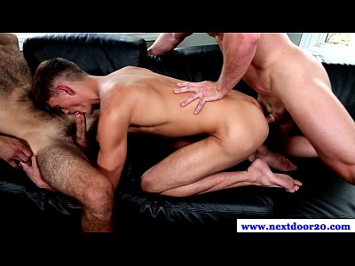 Muscle cock in trio pounding ass