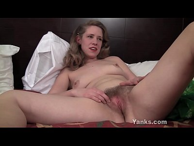 Yanks Girl Carmen December Fingers Her Slit