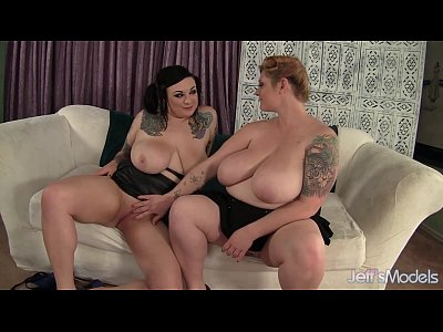 BBW models Scarlet LaVey and Kali Kala Lina get it on