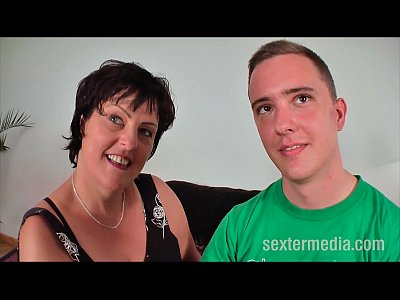 Amateur Hardcore Sex video: Die versaute MILF und der Jungboy - FULL