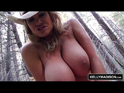Bigtits Hugenaturalboobs Hugenaturaltits vid: KELLY MADISON Fucking in the Wild Outdoors