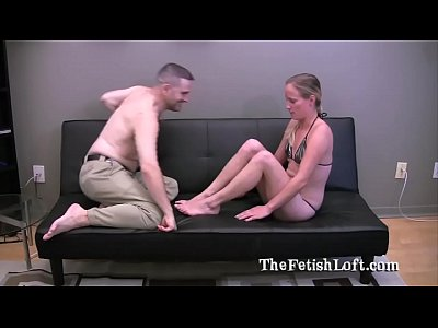 Porno video: Foot Fetish Slave Worships Jewles West Feet