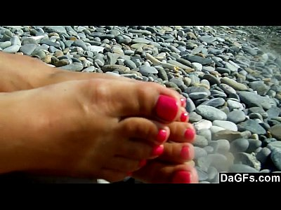 Beach Bigtits Brunette video: Amateur couple quickie sex on a beach