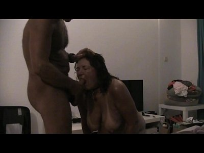 Cindy sucking cock on holidays