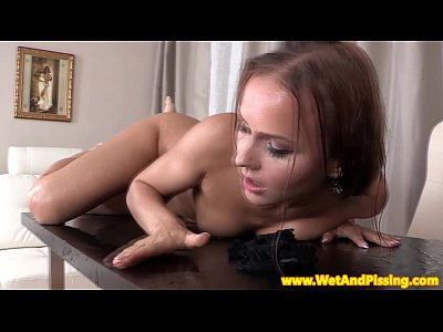 Pissdrinking stunner naked and having fun