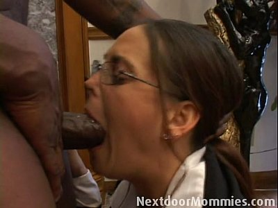Blackman Blowjob Cougar video: 222 0 17