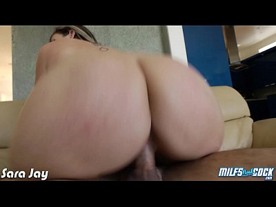 Oral Blonde xxx: Sexy milf Sara Jay taking a big cock
