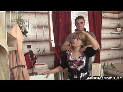 Daughter Mature Mom video: Wife comes out and he bangs her hot mom